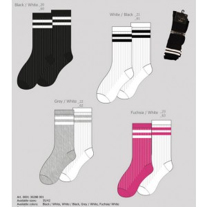 Moderne sokken voor in de sneakers met mode strepen per twee paar