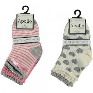 Apollo baby sokjes met zilver hartjes, streepjes en een strikje