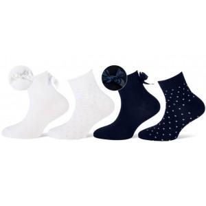 Korte sierlijke sokjes voor meisjes per twee paar met stipjes en een strik.